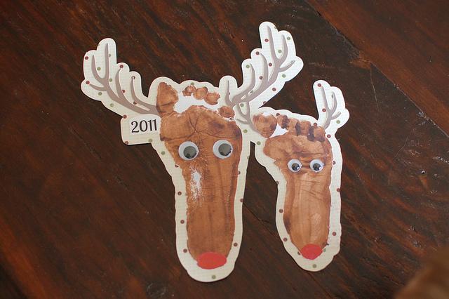 Create a Handprint & Footprint Reindeer in 7 EASY STEPS!